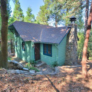Unique Rustic Lodge Style